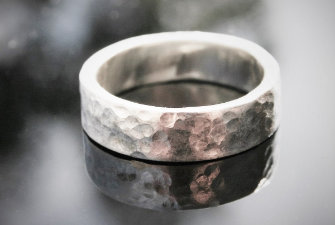 cleaning silver jewellery ring