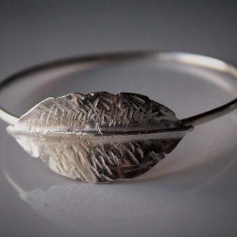 fold formed leaf bangle