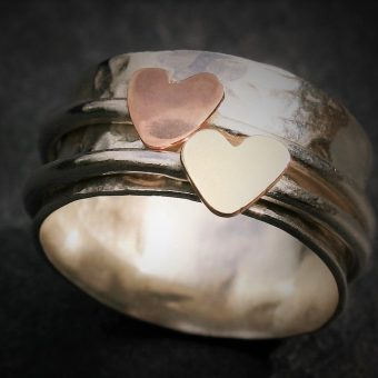 Spinner ring hearts