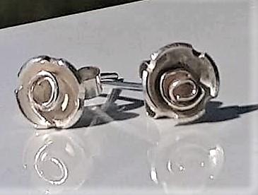 So;ver rose stud earrings